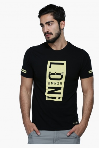 Graphic Print T-Shirt with Crew Neck and Short Sleeves in Slim Fit