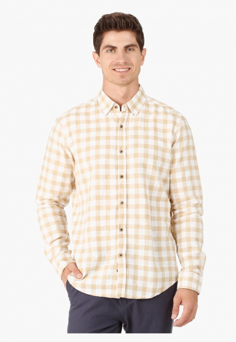 Checked Shirt with Long Sleeves and Collar Neck in Regular Fit