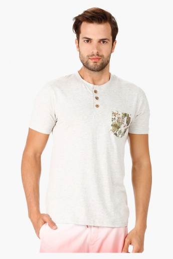 Casual Henley Neck Cotton T-Shirt with Short Sleeves in Slim Fit