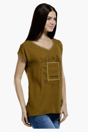 V-Neck Top with Short Sleeves in Regular Fit