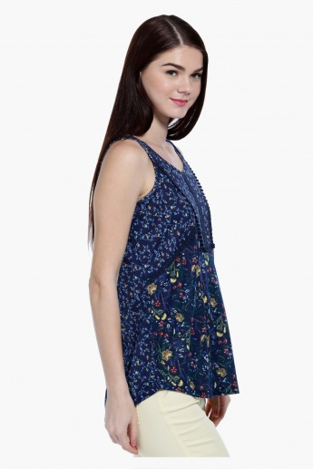 Printed Sleeveless Top in Regular Fit