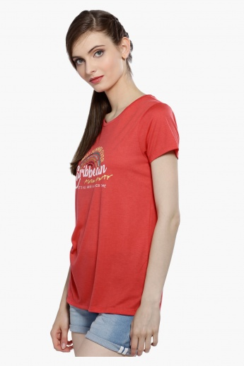 Printed Round Neck T-Shirt with Short Sleeves in Regular Fit